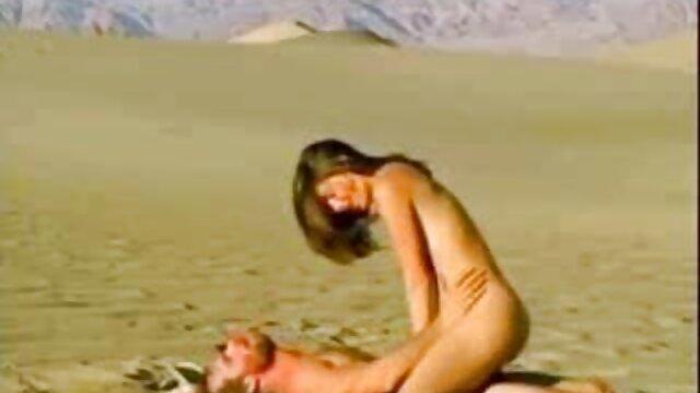 - لیان نیلسون خروس هیولا ، جوانان بزرگ ، الاغ بزرگ کانال تلگرام فیلم خارجی سکسی را می مکد