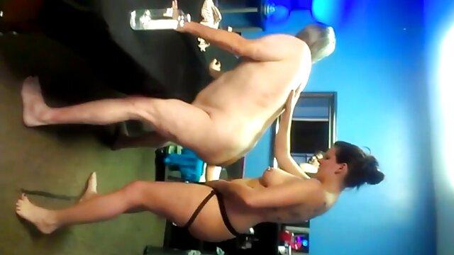 سه نفری پورنو جوان پیر با 2 دختر زیبا و یک پیرمرد فیلم های سکسی تلگرامی